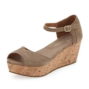 NWOB Toms Suede Platform Wedge Sandal, Taupe